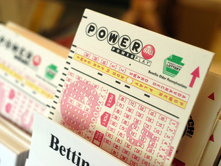 Powerball-lottery_20100416073258_640_480-10195