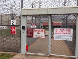 Prison guards indicted on bribery, drug charges
