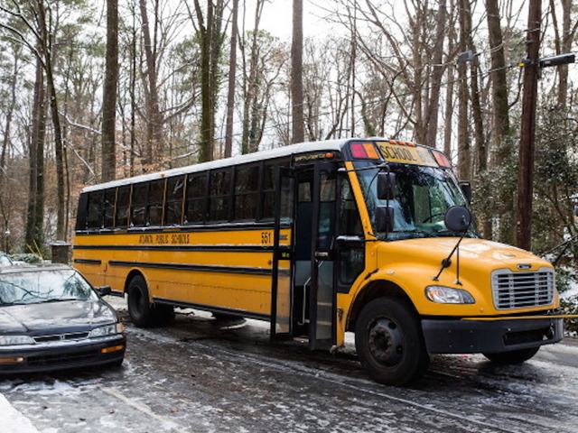 Top Safety Officials Are Pushing For School Buses To