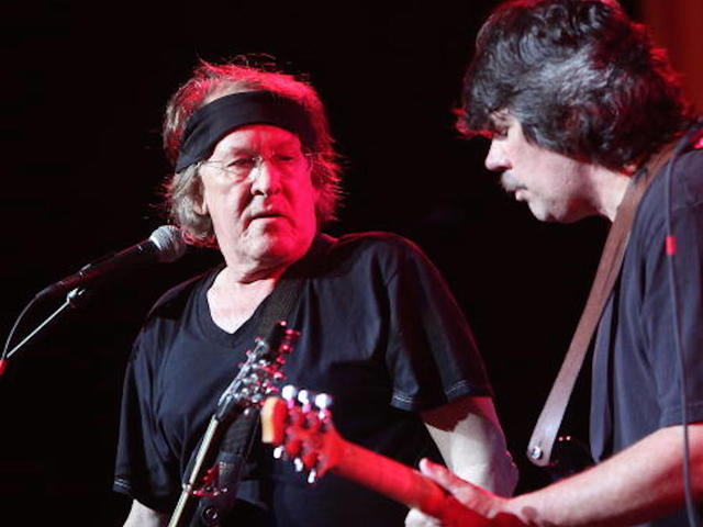 Paul Kantner Dead - Jefferson Airplane Guitarist Dies at 74