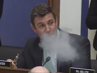 Rep. Duncan Hunter vapes at committee hearing