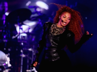 Report: Janet Jackson is pregnant, suspends tour