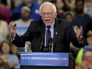 Bernie Sanders en National City el sábado.