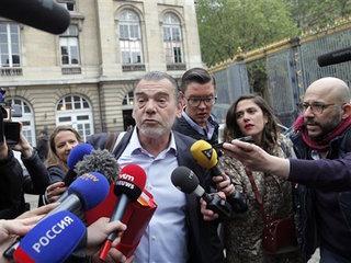 Paris attacks suspect stays silent