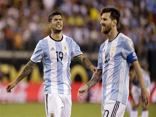 Chile wins Copa America title; Messi quits