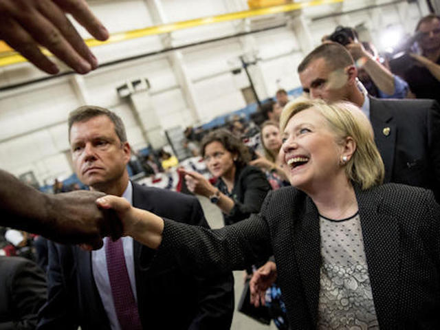 Hillary Clinton releases income tax returns