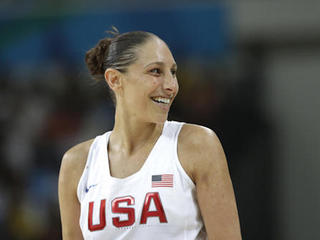 Basketball gold: US women win 6th straight title