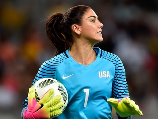 Video shows Hope Solo's reaction to suspension