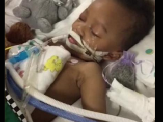 Boy in legal fight dies after ventilator removed
