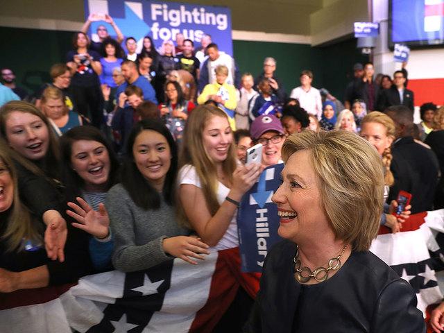 Clinton to call into fundraiser Monday