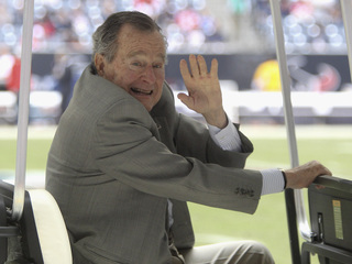 Is George H.W. Bush voting for Hillary Clinton?