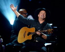 Woman warns about Garth Brooks ticket sites