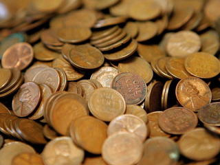 Man pays DMV with 300,000 pennies