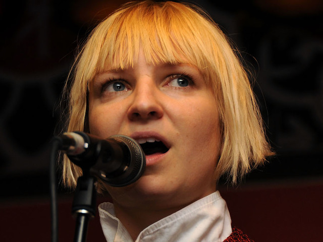 Sia: This Is What Sia Looks Like Without The Face-covering Wig