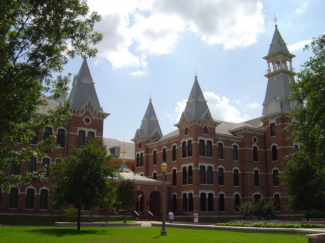 Baylor suspends fraternity following 'racist' Mexican-themed party