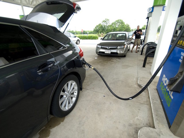 Gas prices lowest in 12 years at start of summer