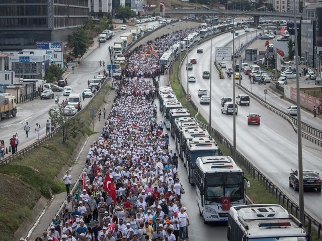 Turkey's opposition leader completes protest march to Istanbul