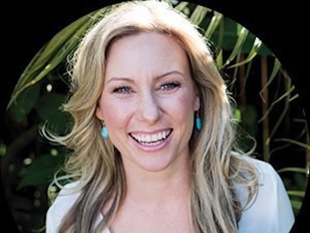 Australian woman who called 911 shot dead by Minneapolis police