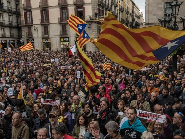 Spanish court annuls Catalonia's independence declaration
