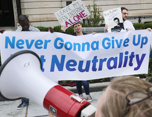 What's at stake in FCC's net neutrality vote?