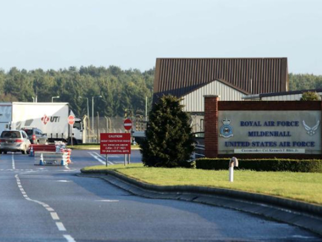 Security Alert At Us Air Base In Uk Driver Attempted To
