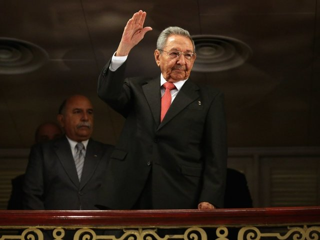 Cuban leader Raul Castro will stay in power past February