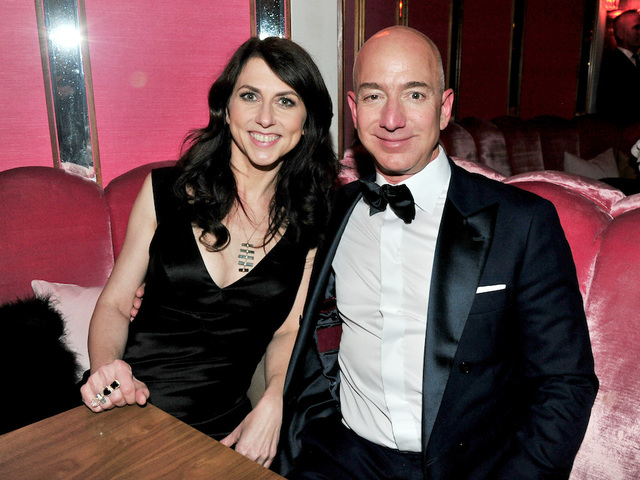Bezos's net worth tops US$105b as Amazon climbs in new year