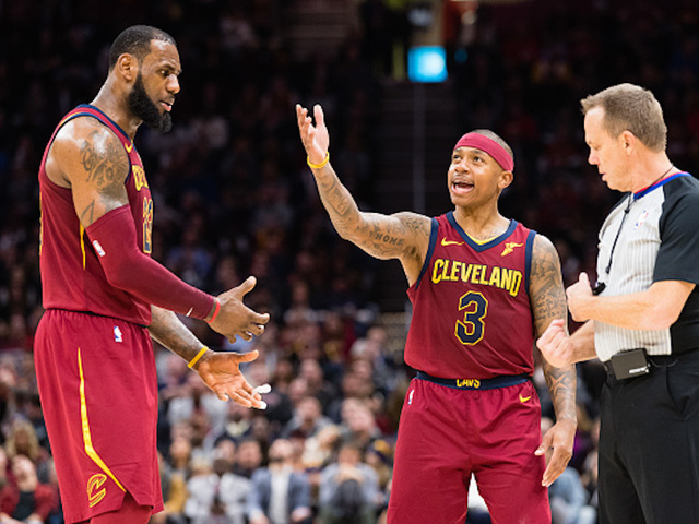 LeBron James doesn't commit to Cavs after blockbuster trade