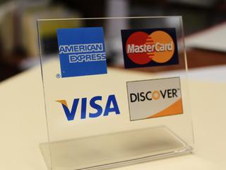 Kroger, owner of Ralphs, mulls Visa card ban