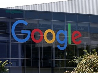 Google unveils Pixel 3 and Home Hub smart screen